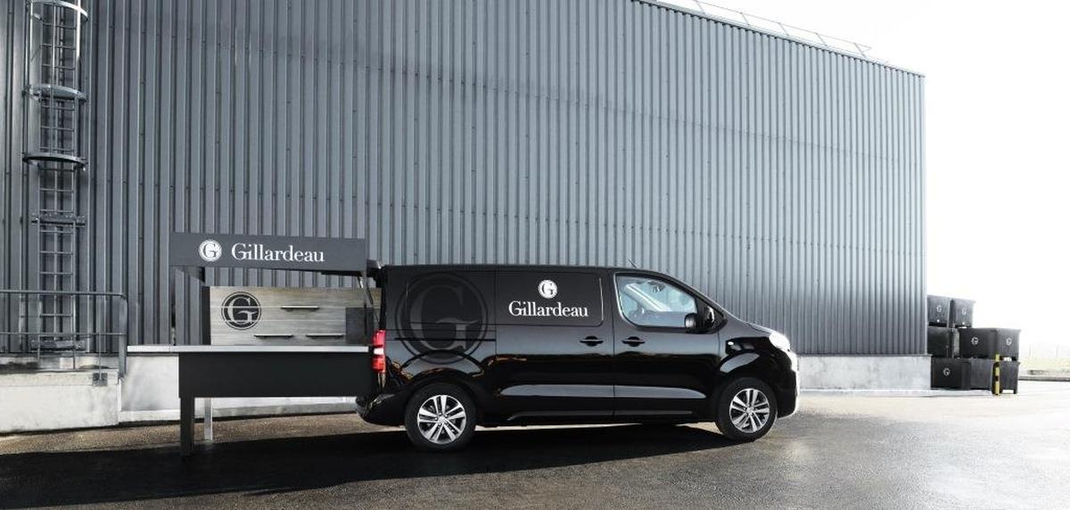 01_Gillardeau Peugeot Food Truck 001_MP_0