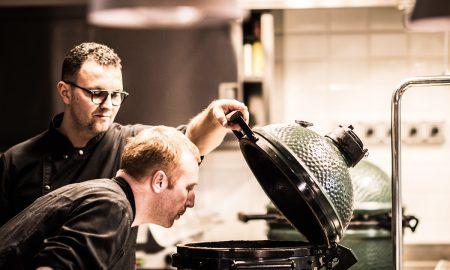 Daniele Govoni u grilu Big Green Egg Maso je Maso Foto Matteo De Carli