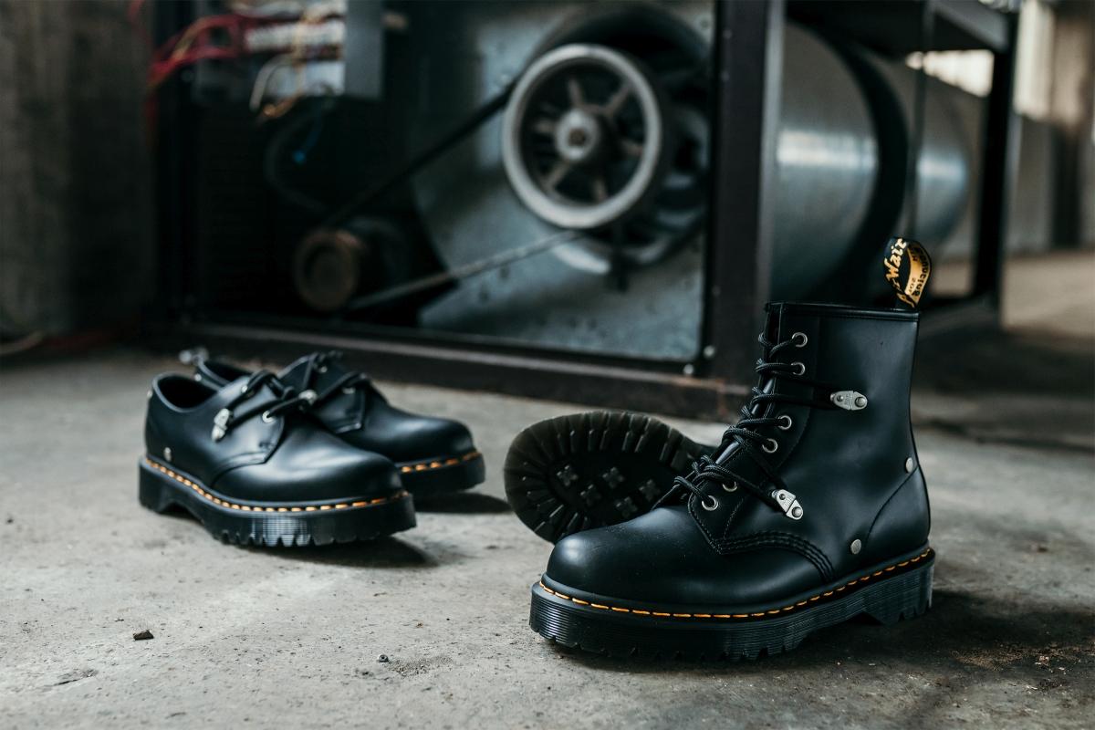 Kultovní boty se žlutým prošíváním v podání dvojice Bex Stud