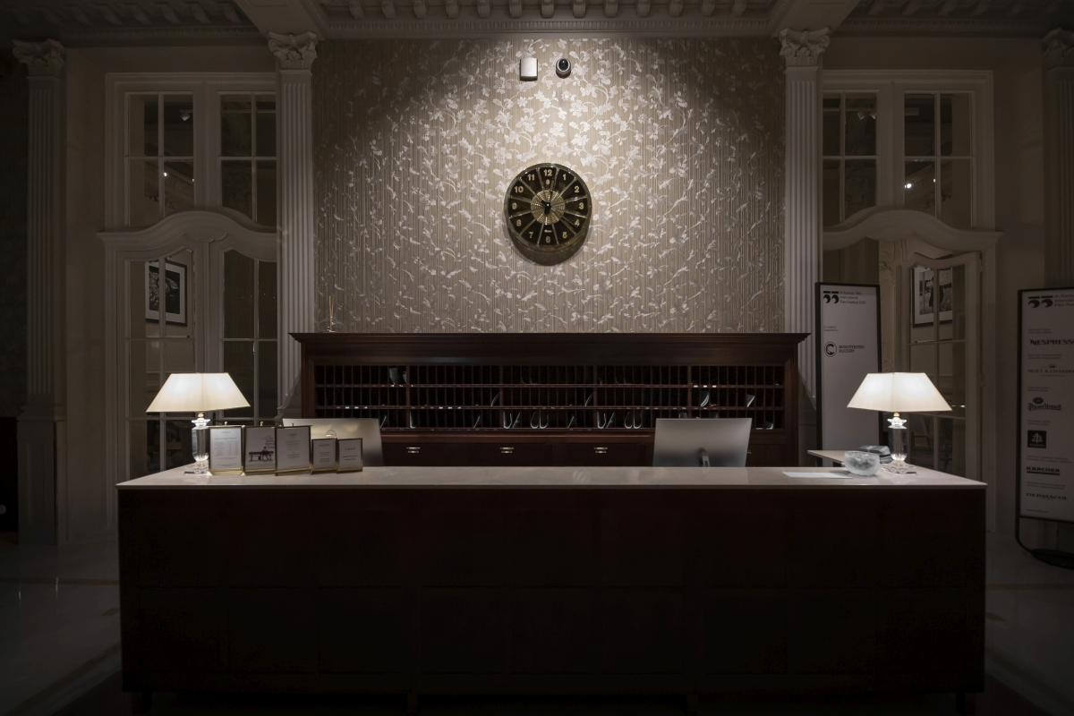 Grandhotel Pupp zdobí unikátní designové hodiny Bohematic