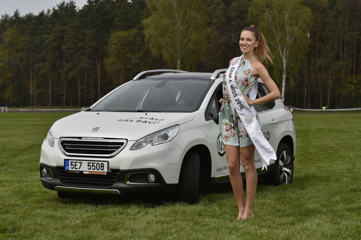 Andrea Bezděková Vítězkou dvanáctého ročníku soutěže krásy se stala jednadvacetiletá dívka s číslem čtyři Andrea Bezděková z Náchoda http://www.barth-run.cz/