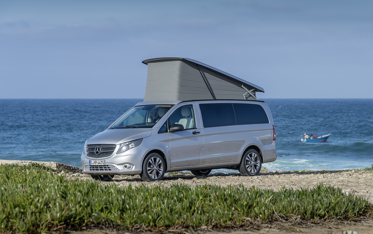 Der neue Marco Polo ACTIVITY – 220 CDI, Exterieur, brillantsilber metallic, Aufstelldach mit selbstbergendem Faltenbalg The New Marco Polo ACTIVITY – 220 CDI, Exterior, brilliant silver metallic, pop-up roof with self-retrieving concertina