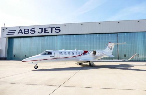 ABS Jets_Learjet 75_Prezentace 12.05.2015 v Praze