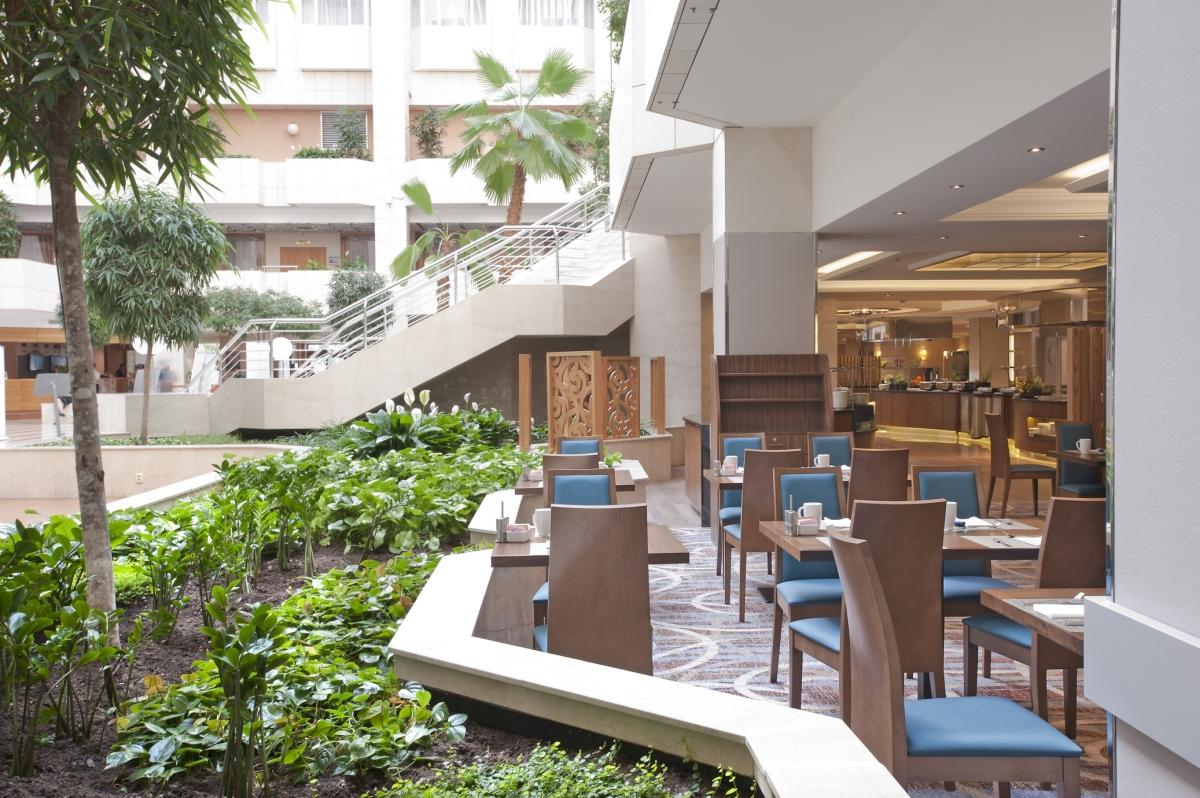 Atrium Restaurant 14