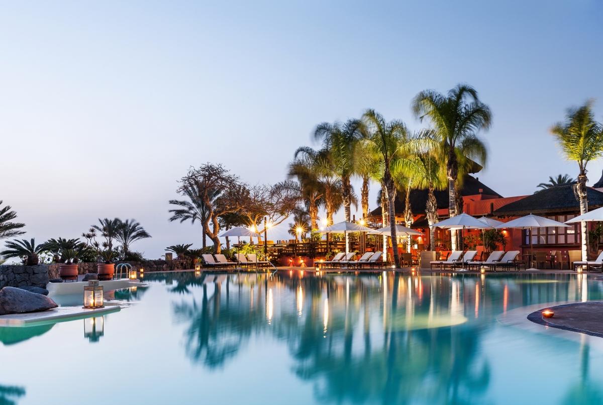 El Mirador swimming pool - Twilight