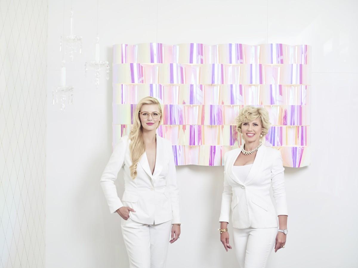 Karolína Helisová a Karla Helisová stojí za rodinnou firmou Karolinum   -2