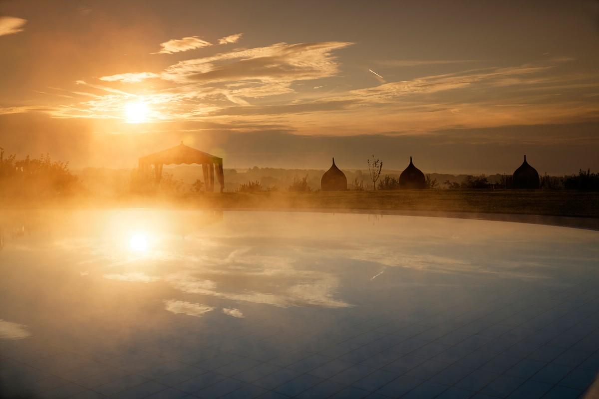 Larimar termalni bazen