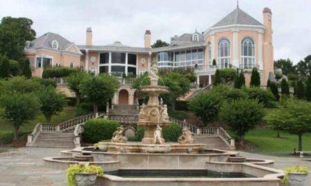 Dům amerického softwarového magnáta Larryho Deana. Rozvodem ztratil na ceně.