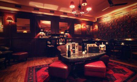 Mánesova Bar and Books_zadní místnost