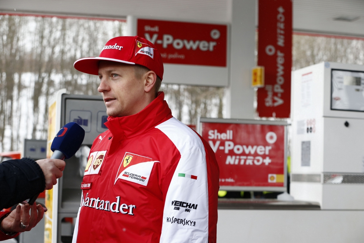 Návštěva Kimiho Räikkönena na čerpací stanici Shell v Ostravě_3