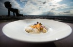 Podzimní vize restaurace vysoko v oblacích