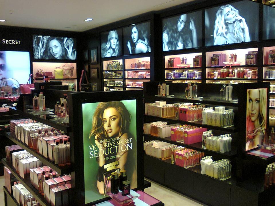 Prague Victoras Secret store 3