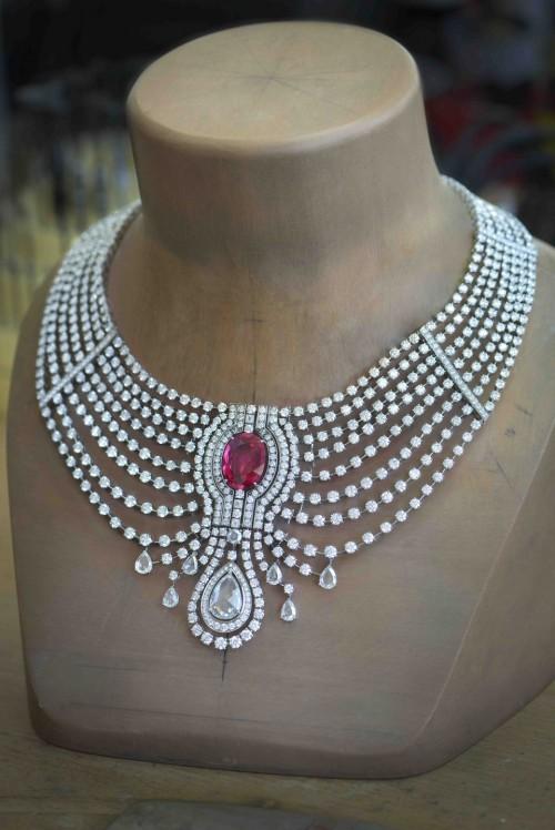 Reine Makeda necklace (2)