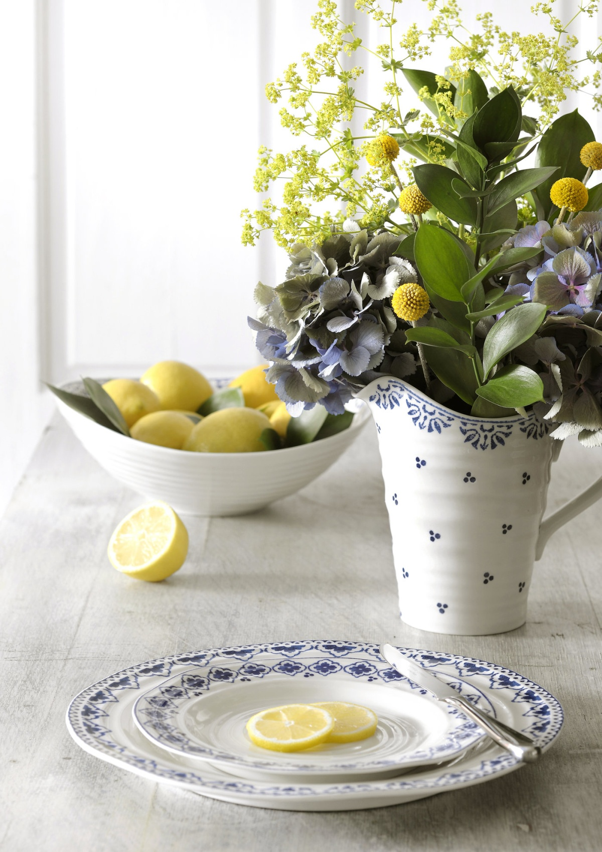 SOPHIE_CONRAN_BLUE_WITH_FLOWERS_AND_LEMON