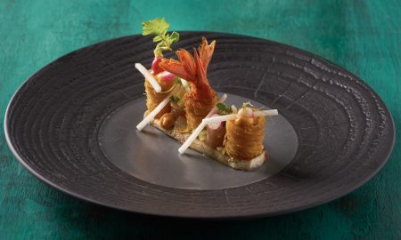 Sashimi makrela a divoka kreveta s omackou ponzu a bilou redkvi