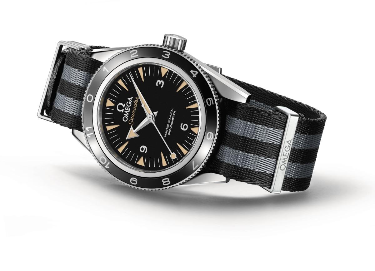 The OMEGA Seamaster 300 Bond_233.32.41.21.01.001_white background_2