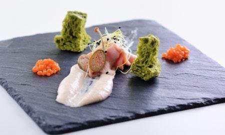 Valachy_Vitello Tonnato zeleninovy kaviar bazalkovy chleb