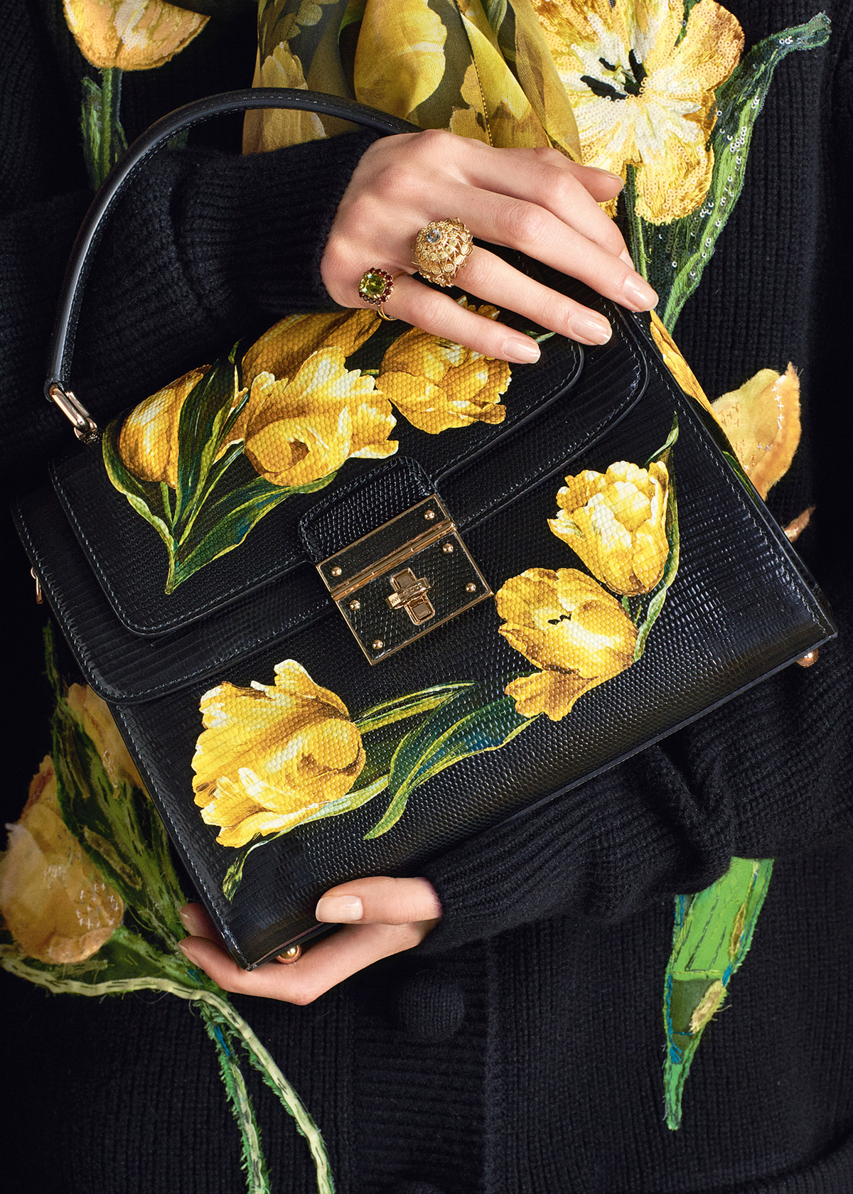 dolce-and-gabbana-winter-2017-woman-collection-128