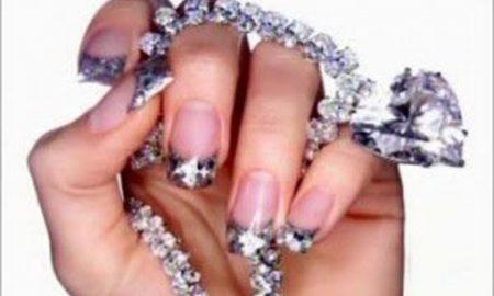 Exkluzivní diamantová manikúra...
