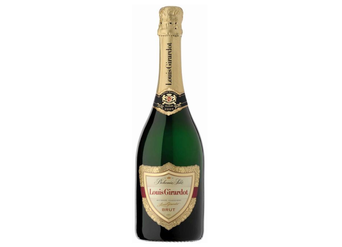 Louis Girardot patří mezi ty nejušlechtilejší sekty. Má světle zelenozlatou čirou barvu, lehkou a jemnou vůni a jeho chuť je harmonická, s náznakem zralých jader vlašských ořechů. Je vyráběn tradičním kvašením a zráním vín v lahvích, a to celkem tří odrůd pocházejících ze slunné Pálavy – Chardonnay, Rulandského bílého a Ryzlinku rýnského. Kvašení trvá až 36 měsíců, aby sekt získal dlouhotrvající perlení a vyzrálý, harmonický charakter, jenž jej pozvedá do kategorie excelentních šumivých vín. Jméno Louis Girardot připomíná francouzského odborníka na výrobu sektů. Ten na samém počátku jejich produkce ve Starém Plzenci zasvěcoval místní sklepmistry do tajů tohoto umění. Orientační cena: 499 Kč