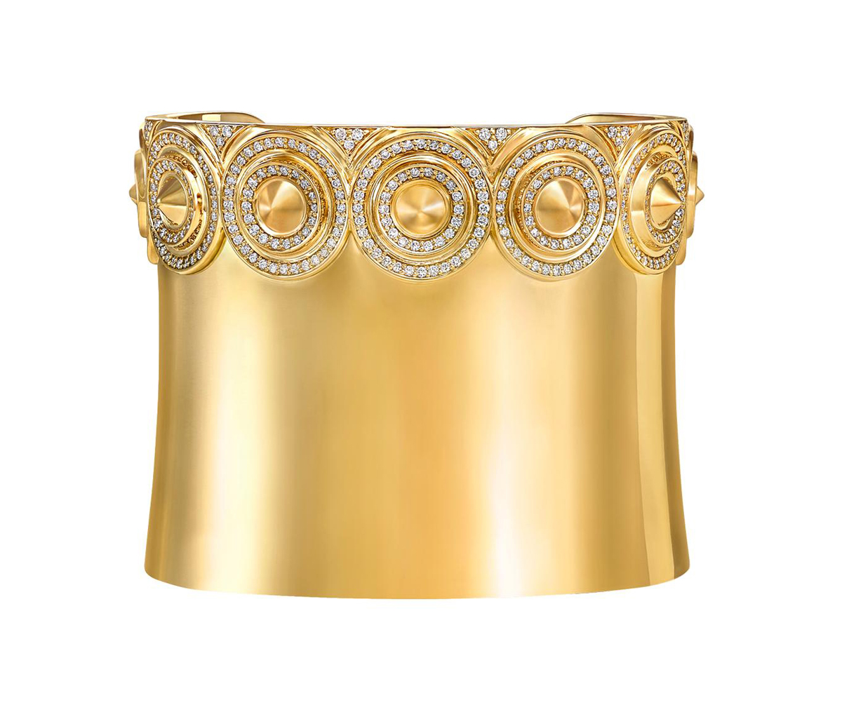 vanleles-out-of-africa-sahara-cuff-in-yellow-gold.jpg__1536x0_q75_crop-scale_subsampling-2_upscale-false