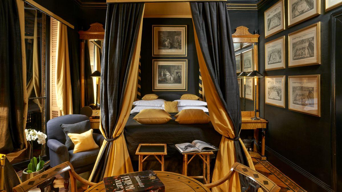 web_03 Directors Double - Romantic Fourposter - bed