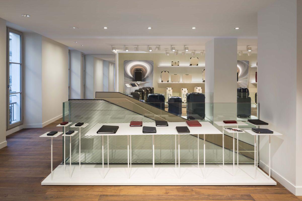 web_RIMOWA Flagshipstore Paris_accessories