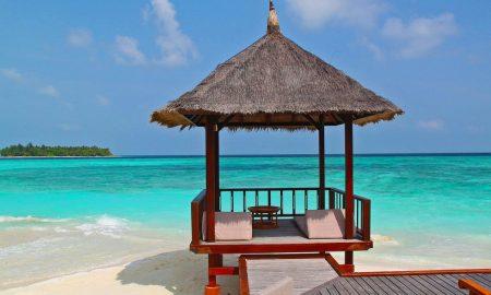 web_beach-hut-237489_1280