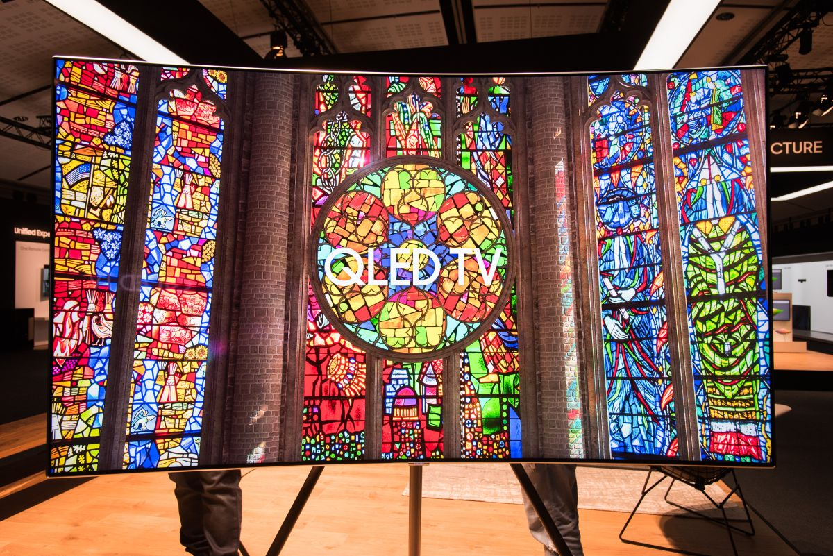 web_samsung-introduces-new-lifestyle-tvs-at-global-launch-event-in-paris_33447250485_o