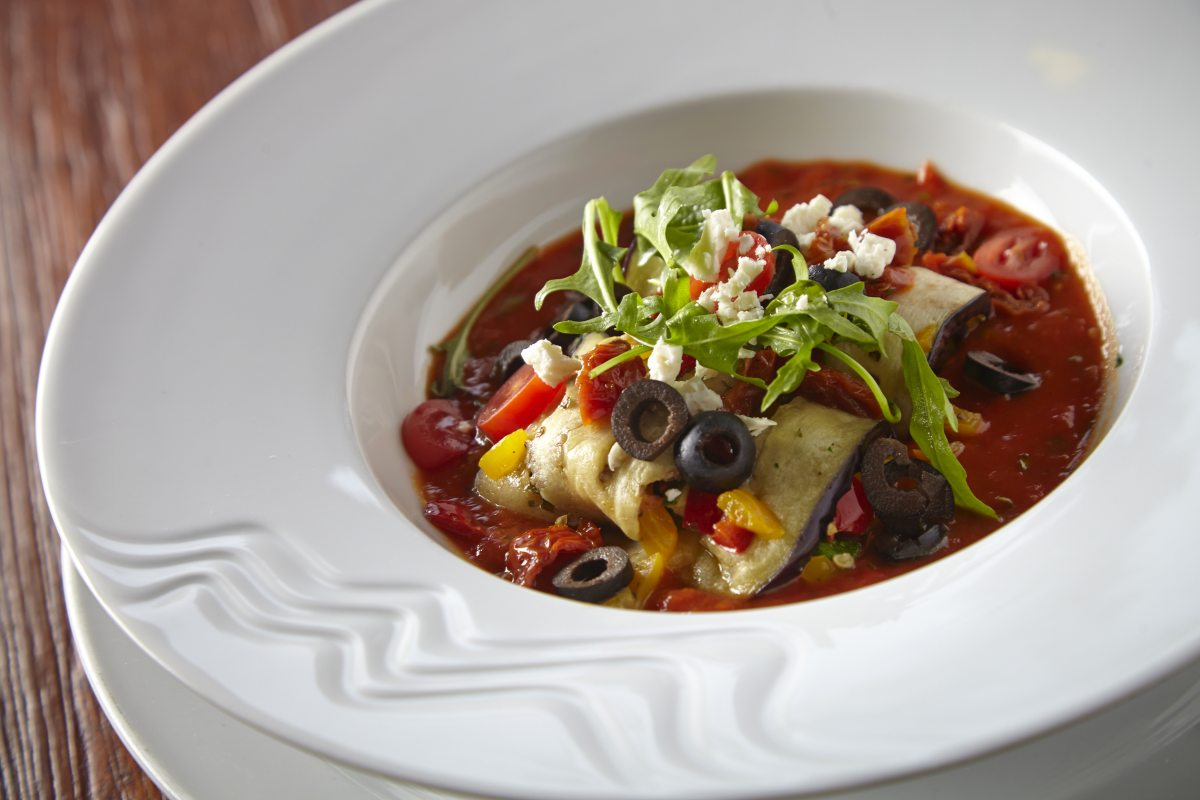 zavitky z lilku v tomatove omacce se syrem feta